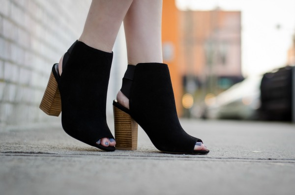 sole society black open toe booties