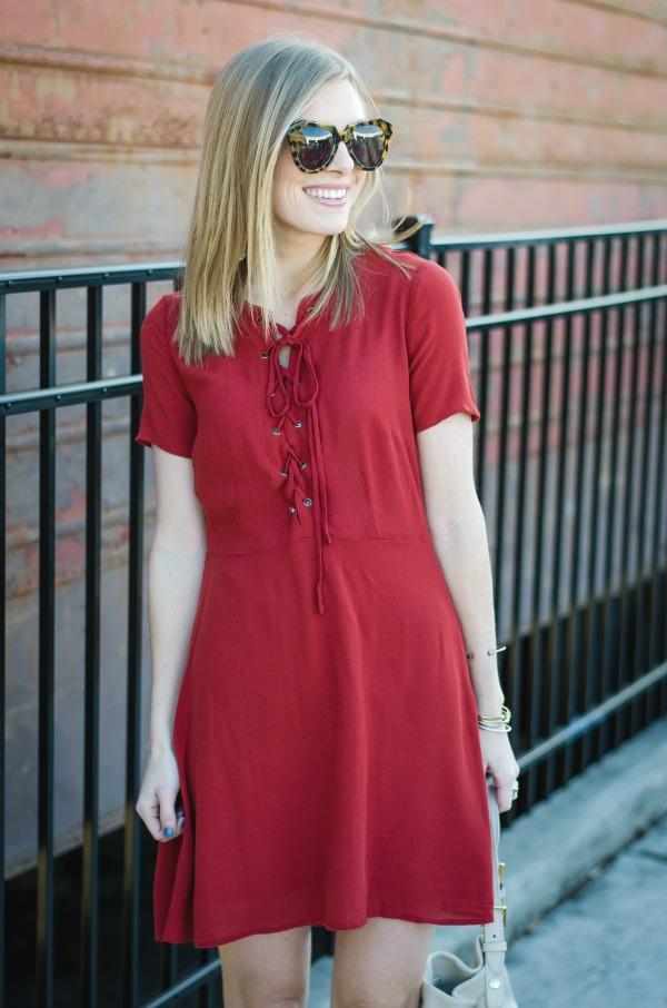 trend alert lace up dress