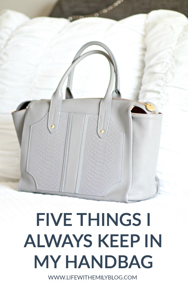 five-things-i-always-keep-in-my-handbag-1