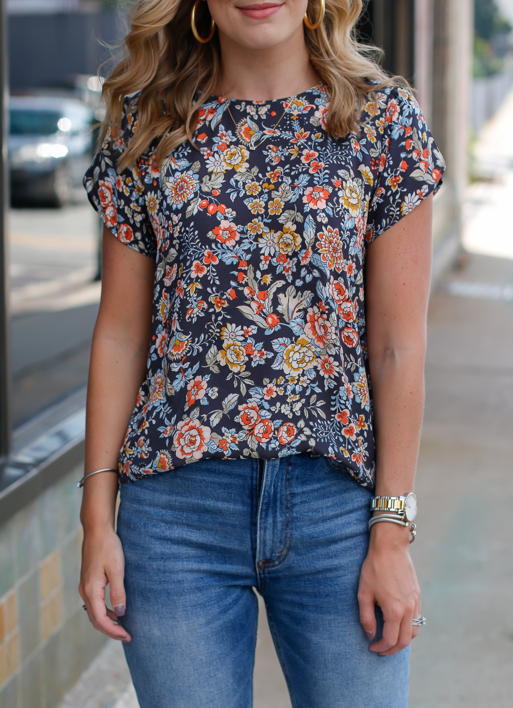 HOW TO STYLE FLORALS FOR FALL